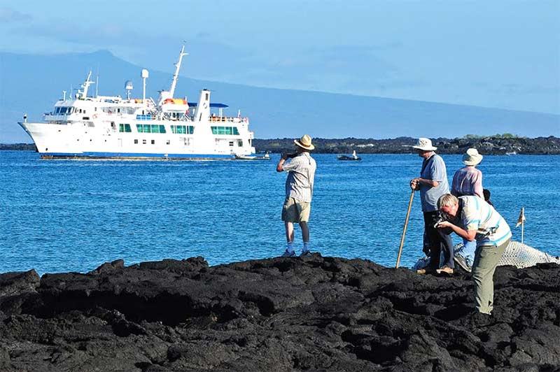 Isabela II Galapagos Deluxe Cruise Central Islands Vacation