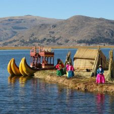 Peru Holiday Adventures | Puno, Lake Titicaca, Uros Floating Islands